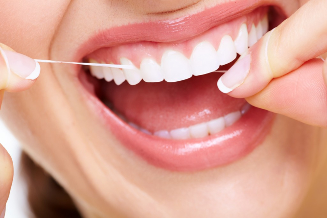 Why Should You Regularly Floss Your Teeth